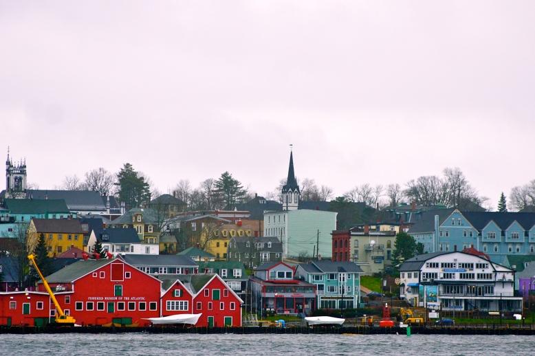 Lunenburg, Nova Scotia [2011: oktofani]