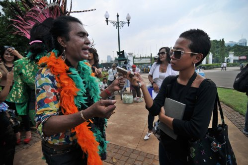 Interviewing Yulianus Rettoblaut, a prominent transgender activist from Indonesia [2013: CP]