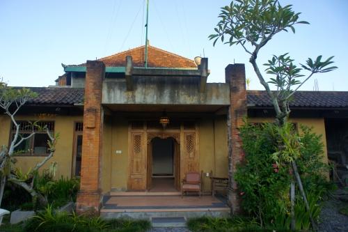 Villa No 11, Jalan Nyuh Bulan, Nyuh Kuning, Mas, Ubud, Bali [2013: E O]