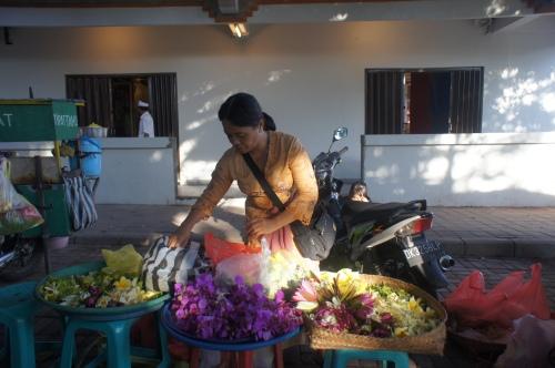 Pasar Ubud di hari Galungan [2013: E O]