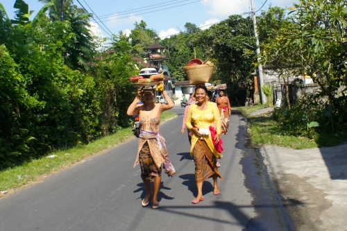 Balinese women were marching to temple on Galungan day [2013: E O]