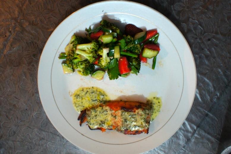 Salmon Steak with Vegetable Salad [2012: Oktofani]