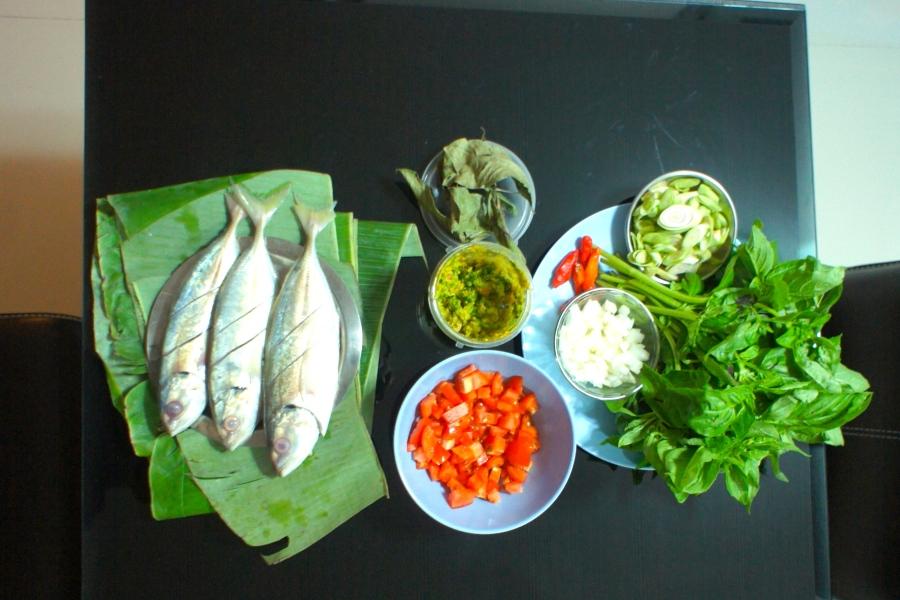 Preparation for Pepes Ikan Kembung [2013: Oktofani]
