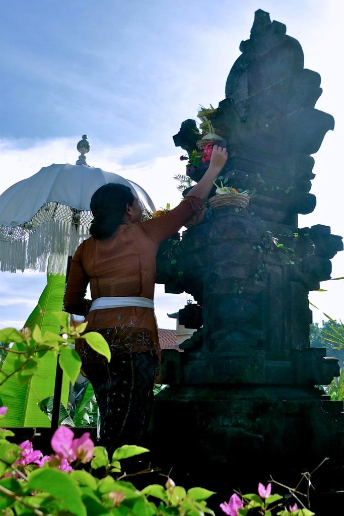 Sembayang [2010: E O]