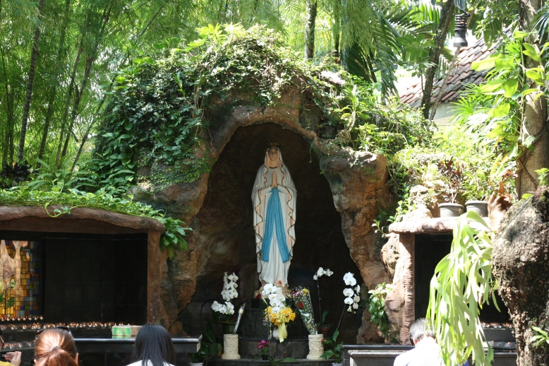 Mother Mary statue in St. Theresia Church, Menteng, Jakarta, Indonesia [2013: Oktofani]