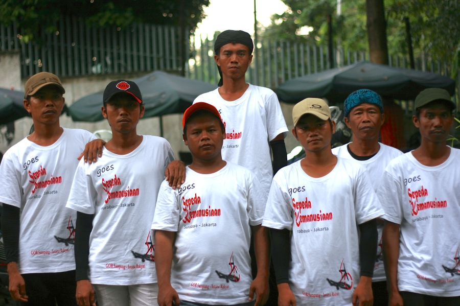 Ten Shiites from Sampang, Madura, East Java, are heading to Jakarta on bicycles to meet President Susilo Bambang Yudhoyono and directly convey their complaints over being expelled from their own village in August 2012.