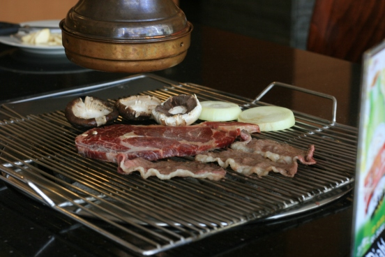 The beef were grilled with  Korean charcoal to bring an authentic taste and distinctive aroma [2014: E O]