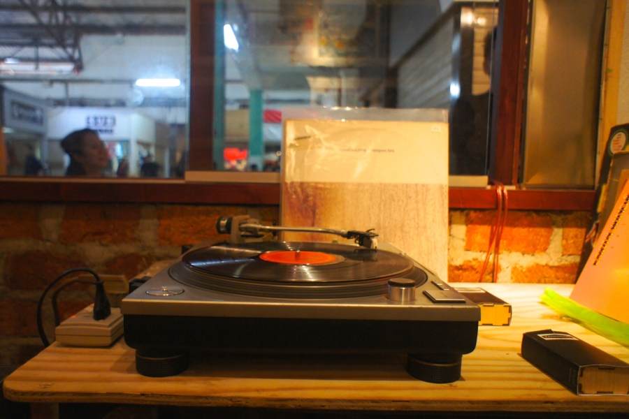 Vynil record player at the Laidback Blues Store [2014: E O]