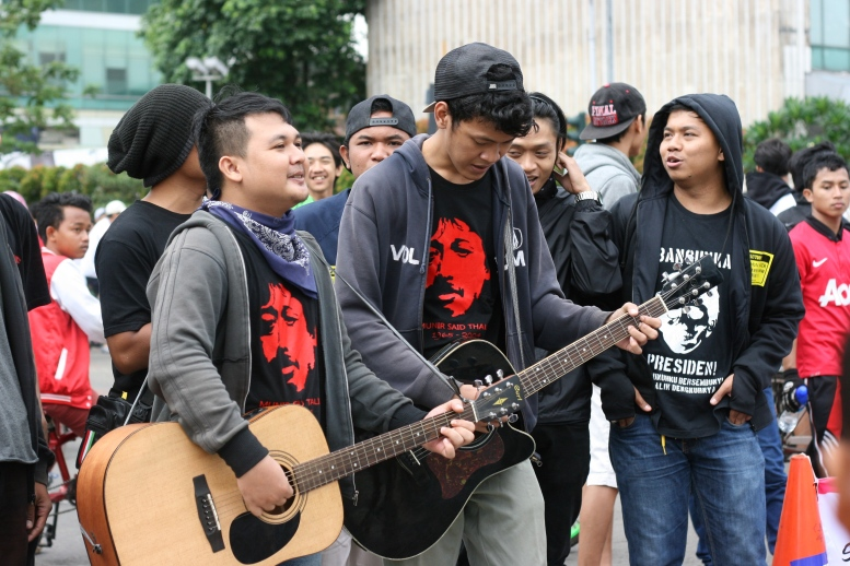Human Right Activist were campaigning in Jakarta Car Free Day in Hotel Indonesia roundabout [2014: E O]