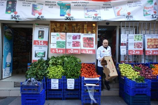 Fresh vegetable shop [2014: E O]