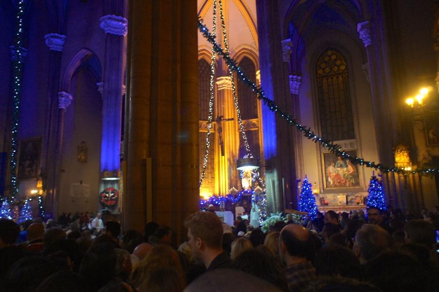Christmas mass in in Sent Antuan Church [2014: E O]