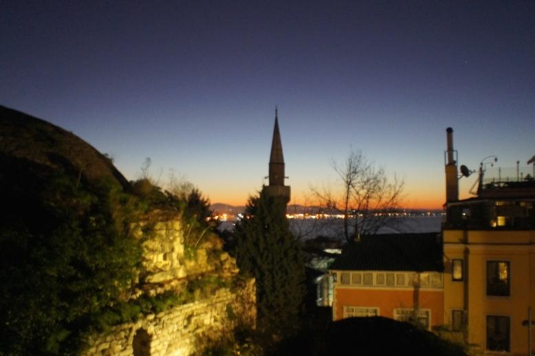 My first sunrise of Istanbul [2014: E O]