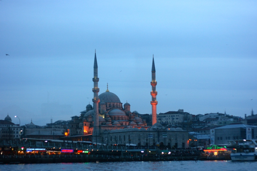 A romantic ambience of Istanbul [2015: E O]