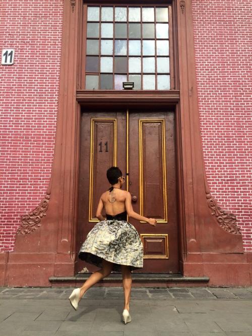 Dancing with myself [2015: Novi]