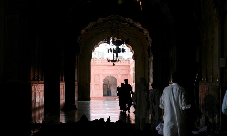 Chilling in Badshahi Mosque, Lahore [2015: EO]