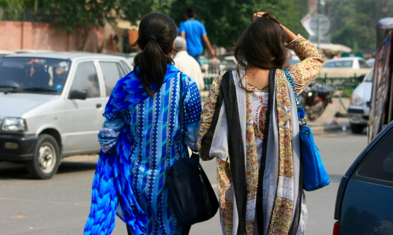 Two Pakistani women in saree went for shopping in Lahore's market [2015: EO]