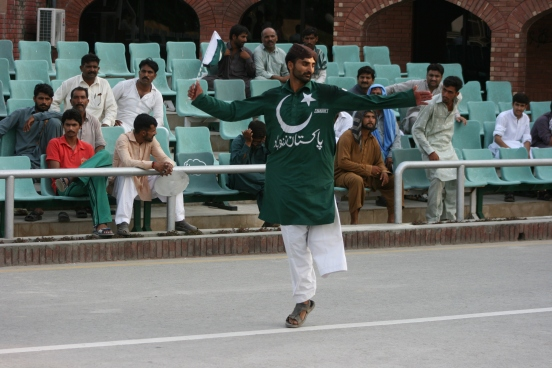 One leg Pakistani dancer in the Wagah Border Ceremony [2015: E O]
