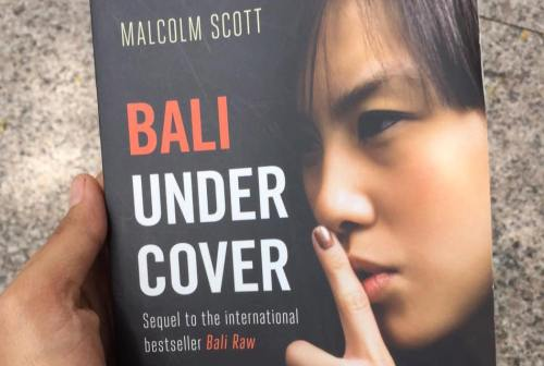 Bali Undercover by Malcolm Scott [2015:EO]